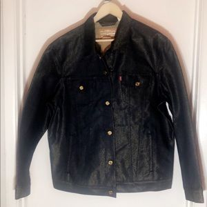 Levi's vintage fit trucker jean jacket